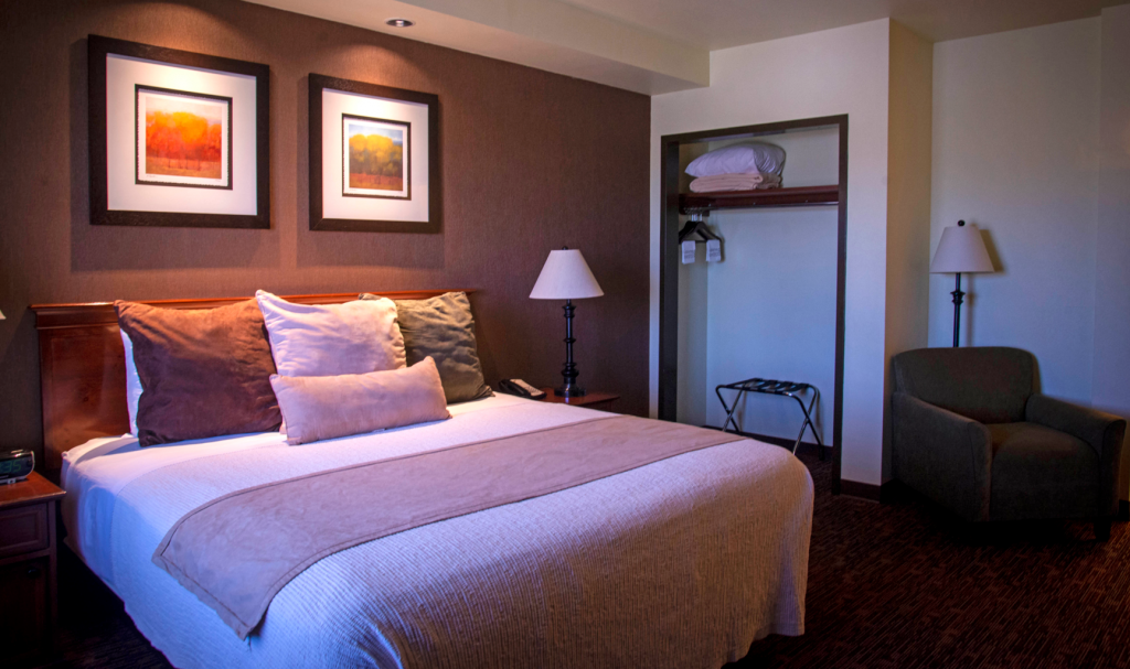 Feather Falls King Suite